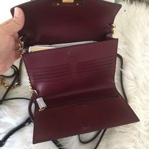 Michael Kors Bags - New Michael Kors medium kinsley wallet Xbody